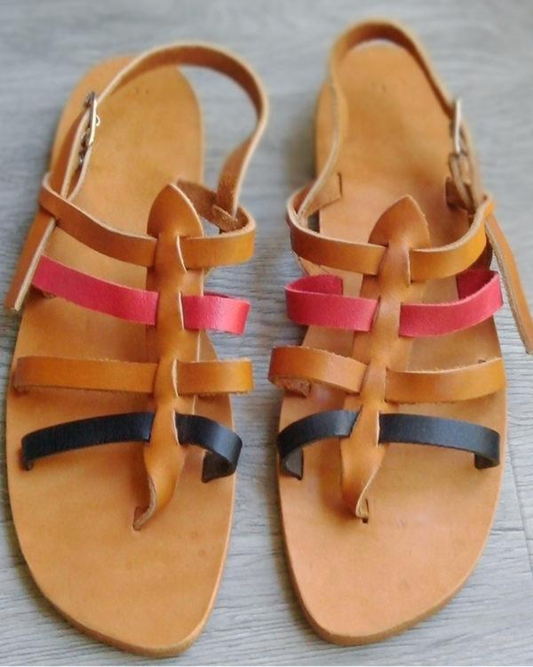 sandales nu-pied naturel rouge noire